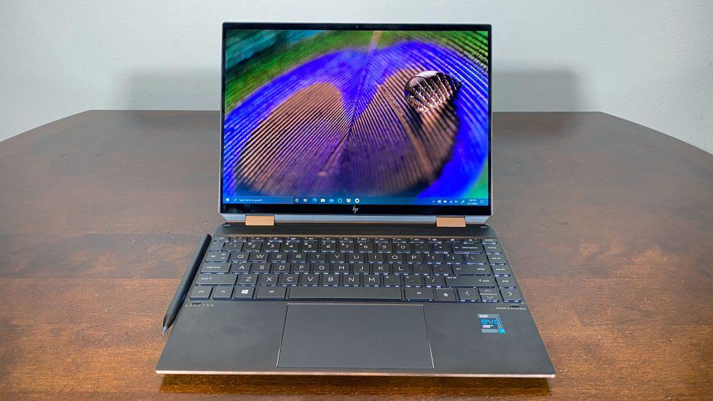 HP Spectre x360 14 - Máy tính màn cảm ứng được ưa chuộng đến đầu năm 2021