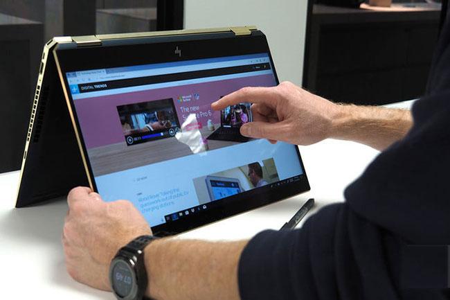 Thế nào là một chiếc máy tính màn cảm ứng tốt nhất. Chính là chiếc màn mang đến độ phản hồi cao với các thao tác chạm và vuốt.