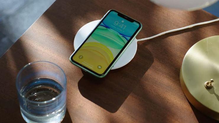 IPhone 12 sẽ sạc không dây nhanh gấp đôi bình thường nhưng chỉ khi dùng bộ sạc MagSafe