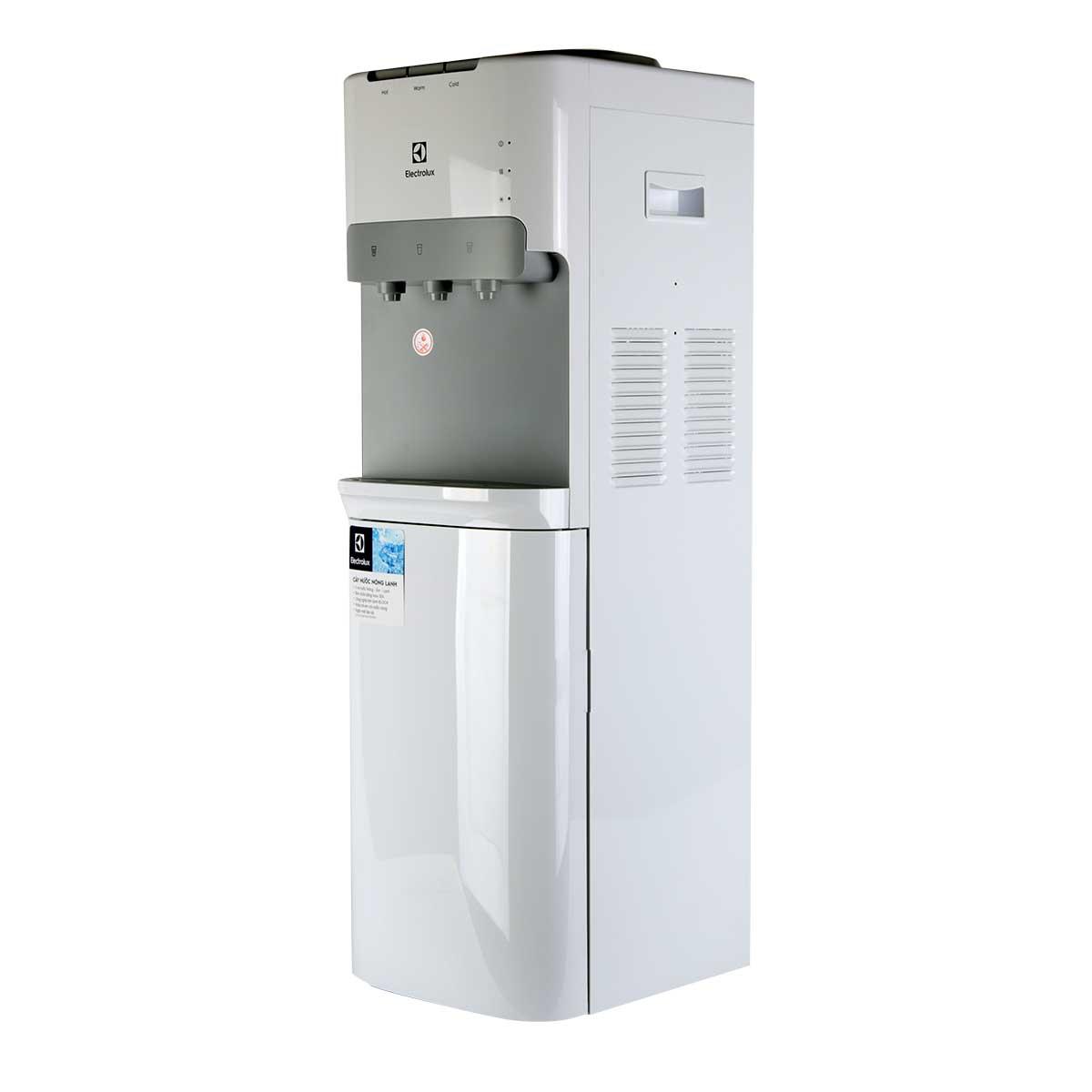 Sản phẩm được trang bị 3 vòi cung cấp nước linh hoạt: nước nóng, nước lạnh và nước bình thường