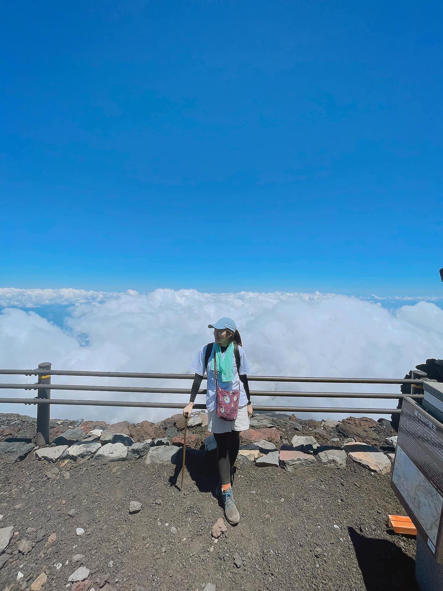 Từ trên đỉnh núi với độ cao hơn 3.775 m.