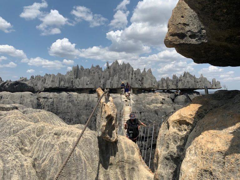 Rừng đá sắc nhọn ở Tsingy, Madagascar.  Ảnh: Sudha Mahalingam