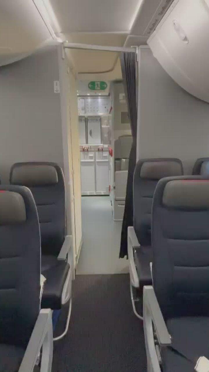 Cận cảnh căn phòng bí mật trên máy bay/Hành lang bí mật trên máy bay