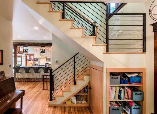 12 ý tưởng tận dụng tối đa không gian cầu thang trong nhà