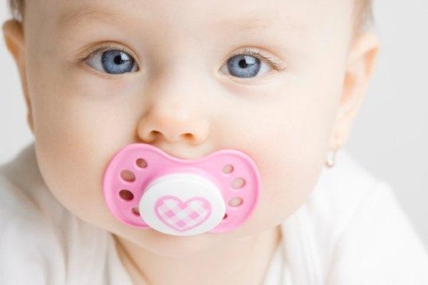 Cai sữa cho bé từ kinh nghiệm dân gian
