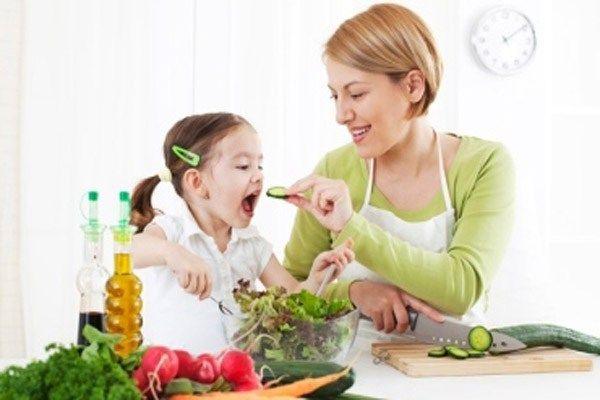 Dinh dưỡng cho bé 2 tuổi