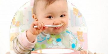 Lưu ý trong chế độ dinh dưỡng ăn dặm cho bé