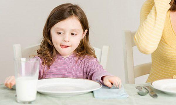 Kinh nghiệm lựa chọn sữa cho trẻ biếng ăn