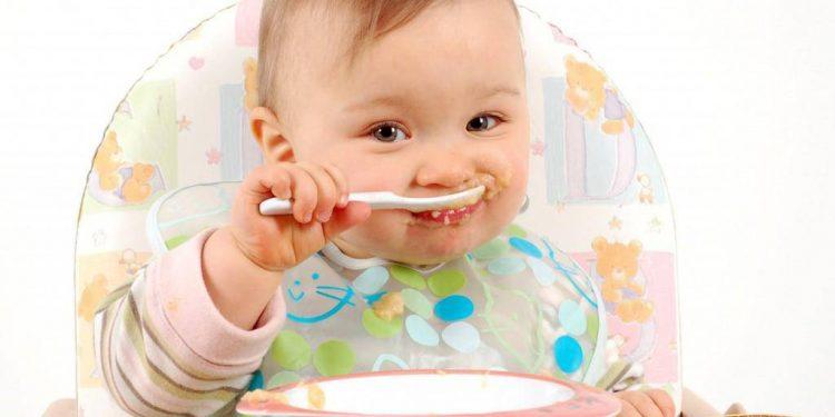Chế độ ăn dặm của trẻ 6 tháng