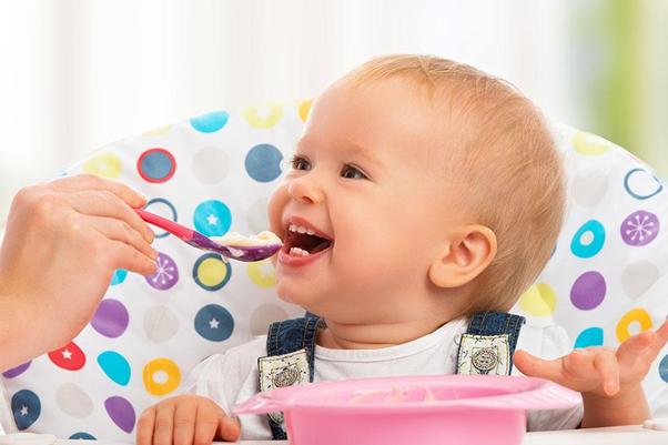 Chia sẻ thực đơn ăn dặm cho bé 6 -12 tháng tuổi đầy đủ dưỡng chất